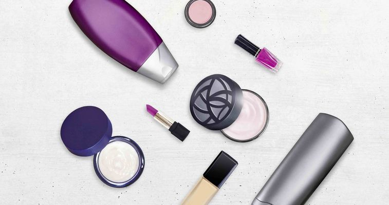 Evonik Silica improve cosmetics and products for personal care like emulsions, rinse-off formulations, oil-based formulations, powders or nail polish. Silica enable powder-to-cream and matt effects and replace microplastics in skin care products.