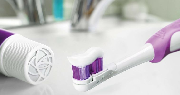 Evonik Silica improve cleaning performance, whitening effect, rheology control, optical clarity and fluoride compatibility in oral care products.