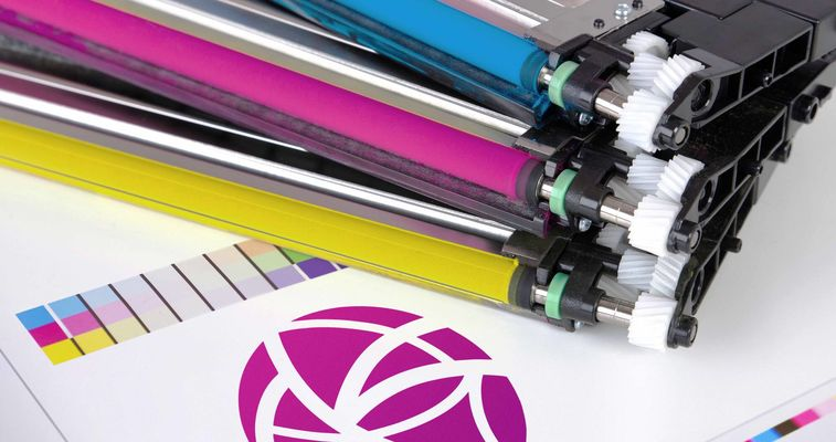 As additives Evonik silica improve the quality of dry toners and color toners for high quality printing results. AEROSIL® fumed silica guarantee flowability and charge stability.