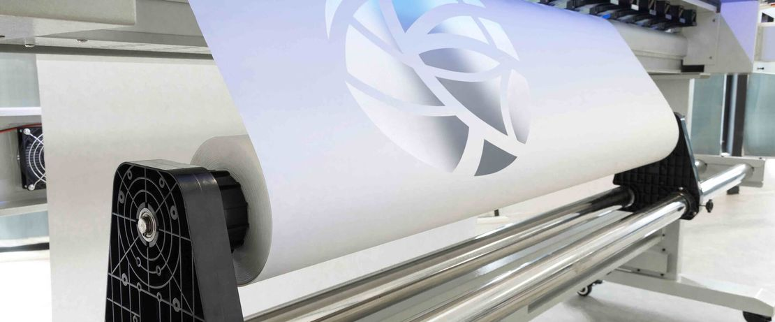 Evonik offers Silica products for paper production, paper processing, paper coatings, and inkjet coatings. Evonik Silica guarantee constant printability, high ink absorption, instant ink drying, brilliant colors and gloss.