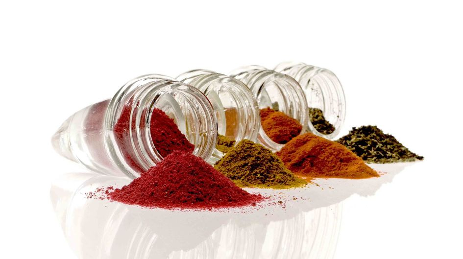 Silica as free flow agent for spices.